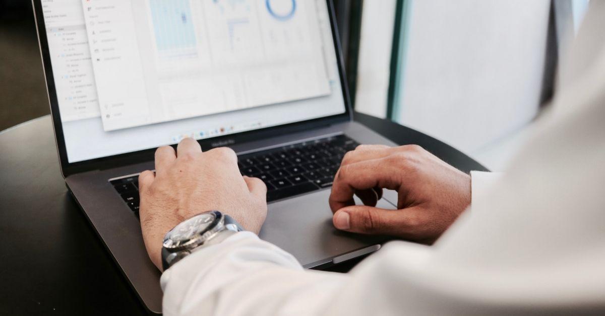 CTO và CIO là gì? Cách phân biệt đơn giản và chính xác nhất